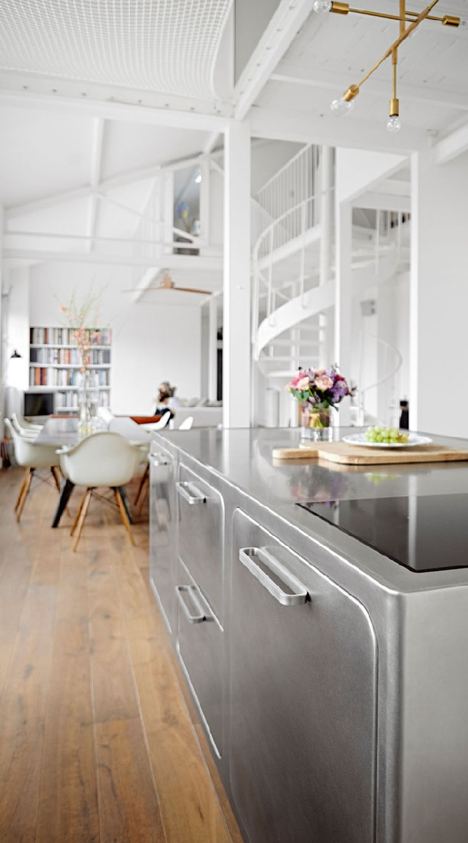 Mid Century Modern Kitchen Inspirations: wood, steel and marble