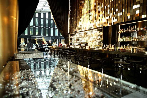 luxury hotel design projects by marcel wanders. Black Bedroom Furniture Sets. Home Design Ideas