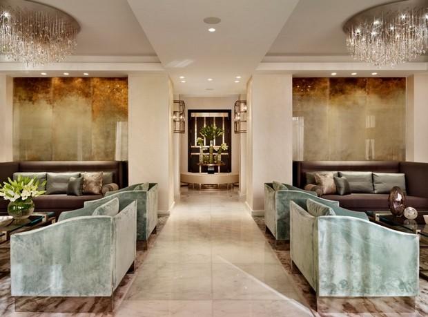Top interior designers katharine pooley for Home decor qatar