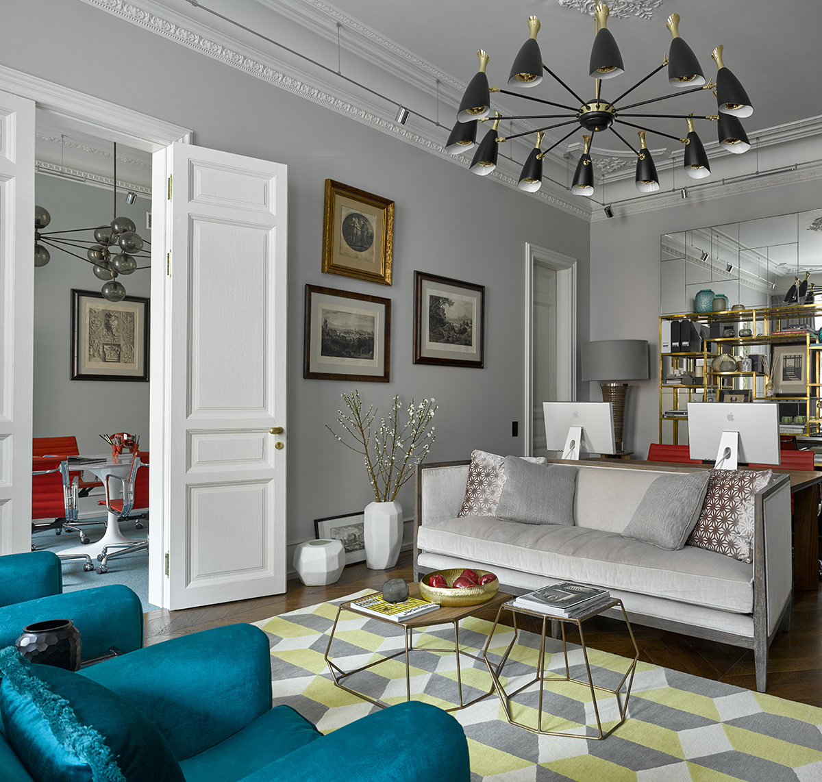 A mid-century apartment in Russia
