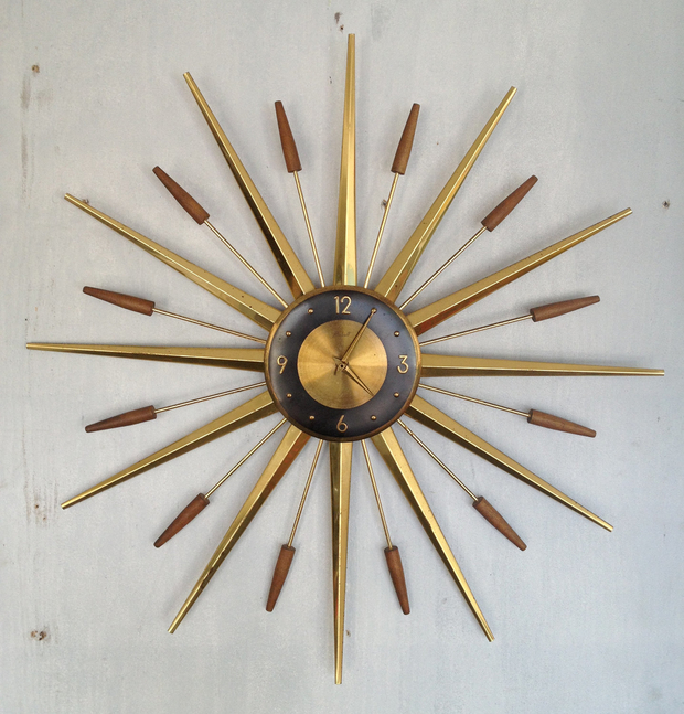10 unique clocks for your living and dining room
