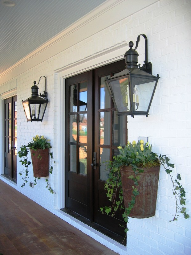 7 outdoor lights to use for improving exterior design