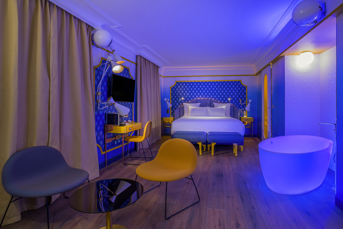 Inspiring hotel design idol hotel paris for Design hotel paris