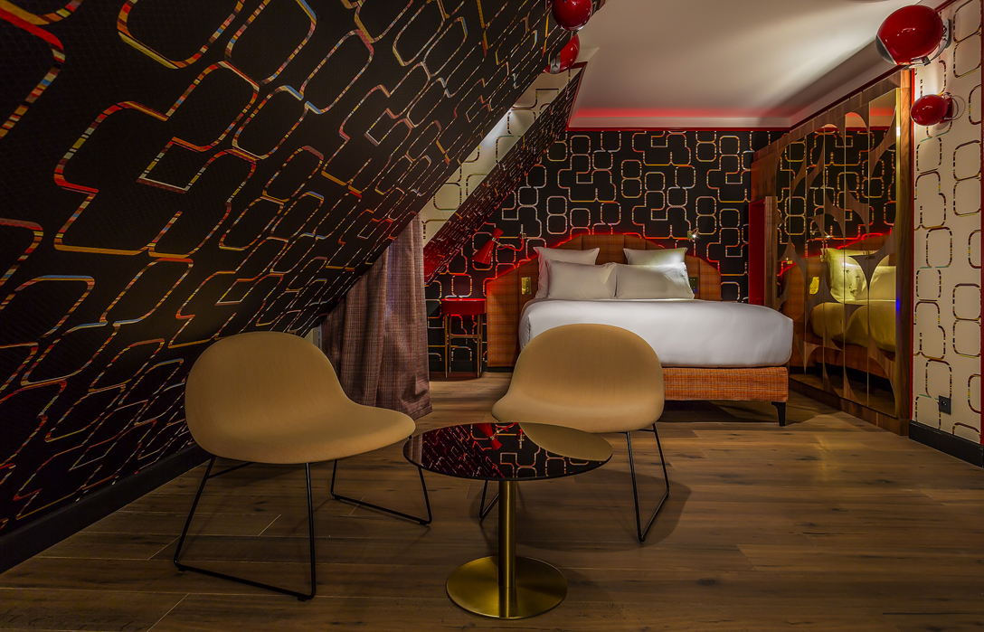 inspiring hotel design idol hotel paris. Black Bedroom Furniture Sets. Home Design Ideas