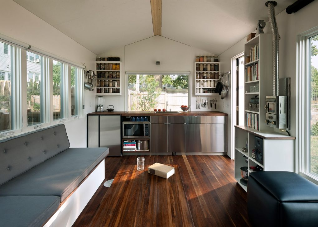 HOW TO DECORATE A TINY HOUSE