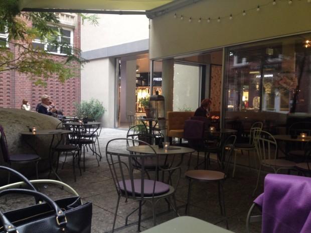cole-porter-bar-in-der-hofstatt-sendlinger-strase-restaurant-munchen-bar-munchen-19