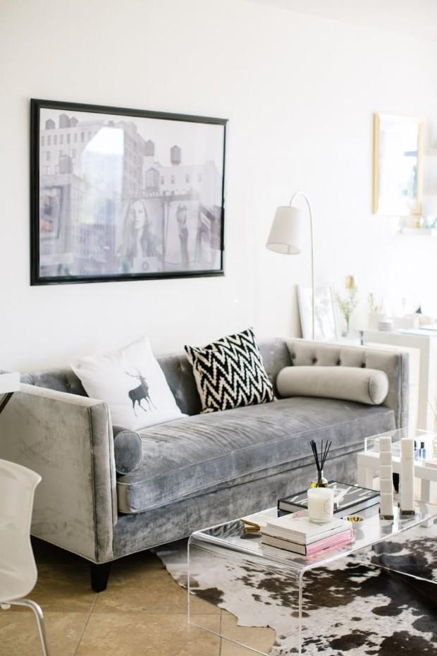 8 Stunning Velvet Sofas For Your Living Room