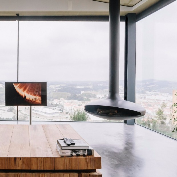 15 COZY HOMES WITH FIREPLACES