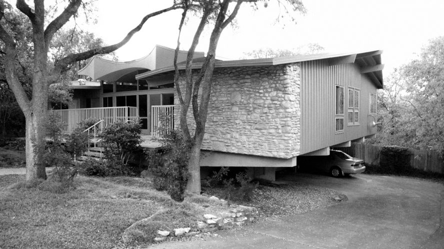 MODERN MAKEOVER IN A MID-CENTURY HOME IN AUSTIN, TEXAS mid-century home MODERN MAKEOVER IN A MID-CENTURY HOME IN AUSTIN, TEXAS MODERN MAKEOVER IN A MID CENTURY HOME IN AUSTIN TEXAS 1