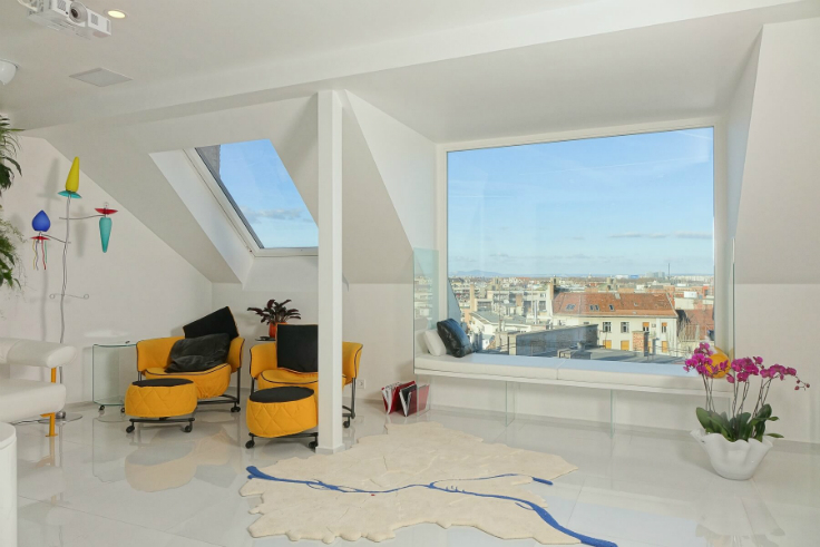 Falling In Love With a Colorful Apartment in the Heart of Budapest