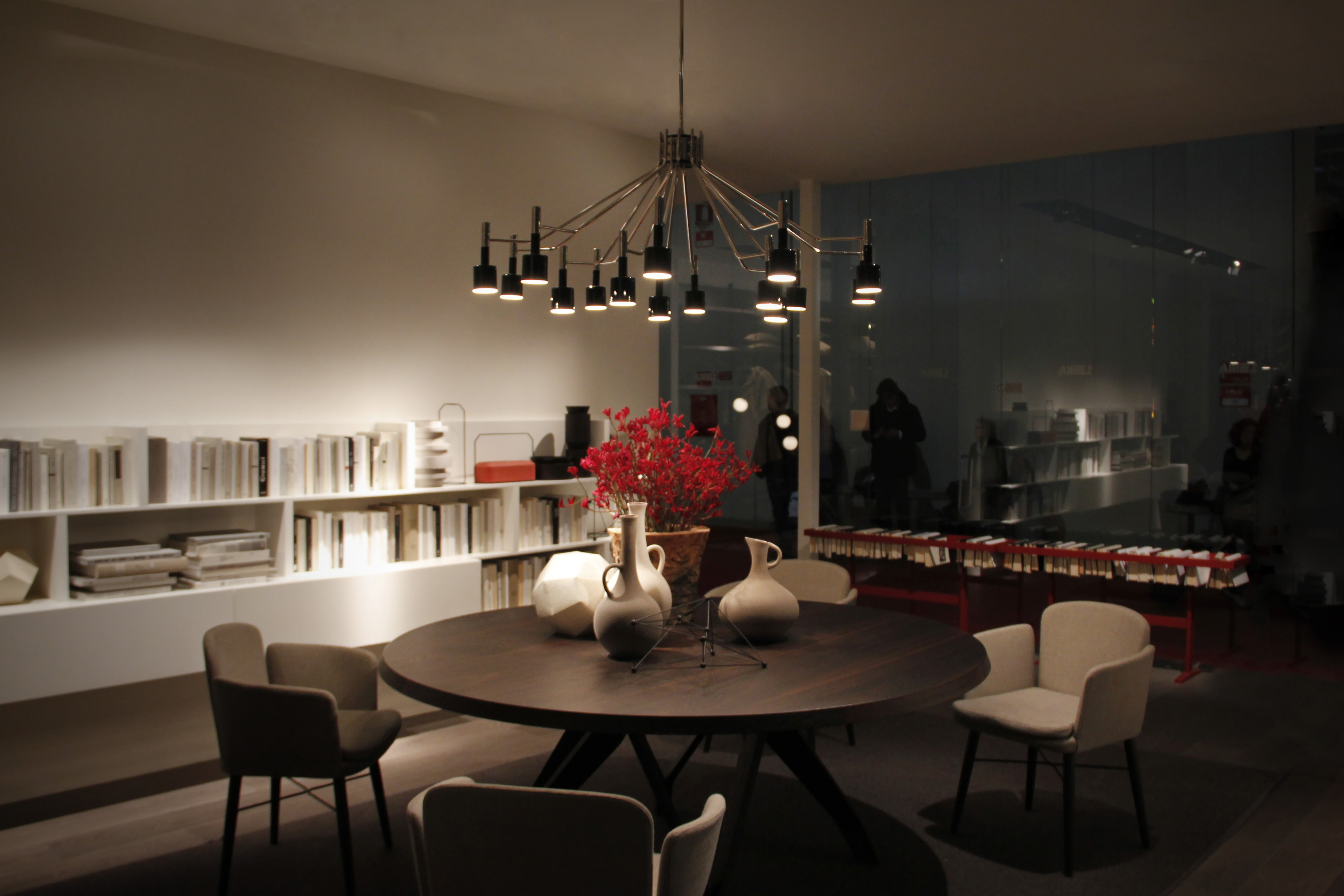 Trending Product An Iconic Round Chandelier with a Mid-Century Design 2