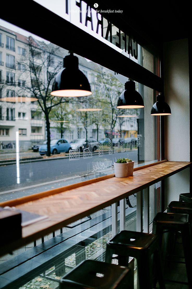 Vintage Interiors: 8 Amazing Retro Cafes
