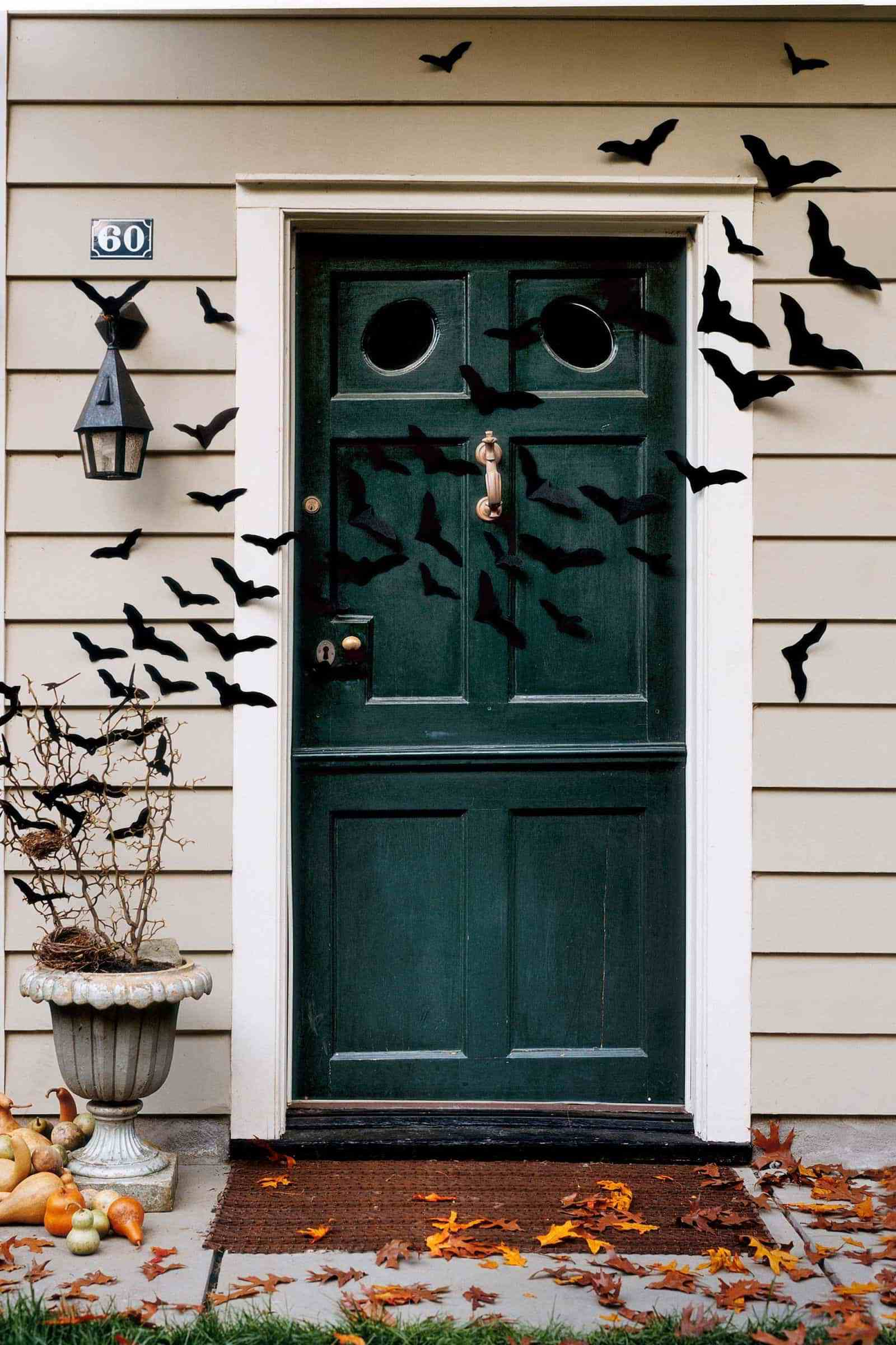 The Wickedest Tips for Your Outdoor Halloween Decorations 1