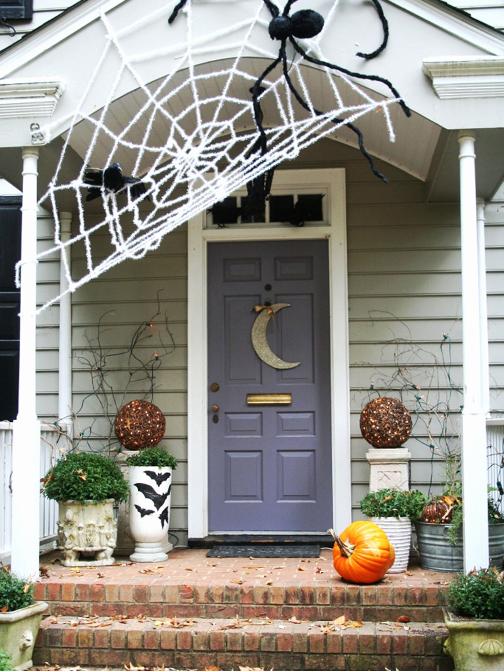 The Wickedest Tips for Your Outdoor Halloween Decorations 4