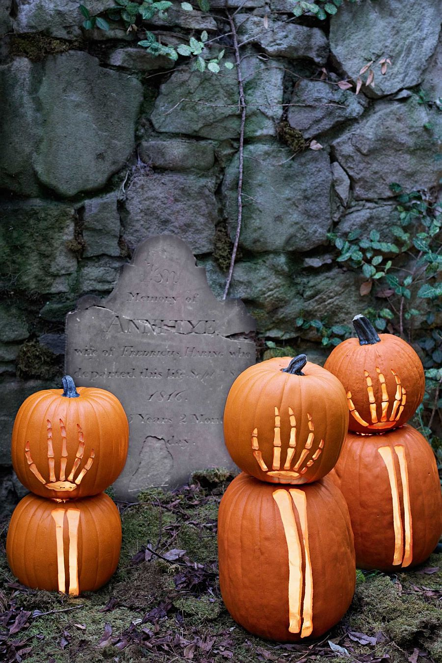 The Wickedest Tips for Your Outdoor Halloween Decorations 6