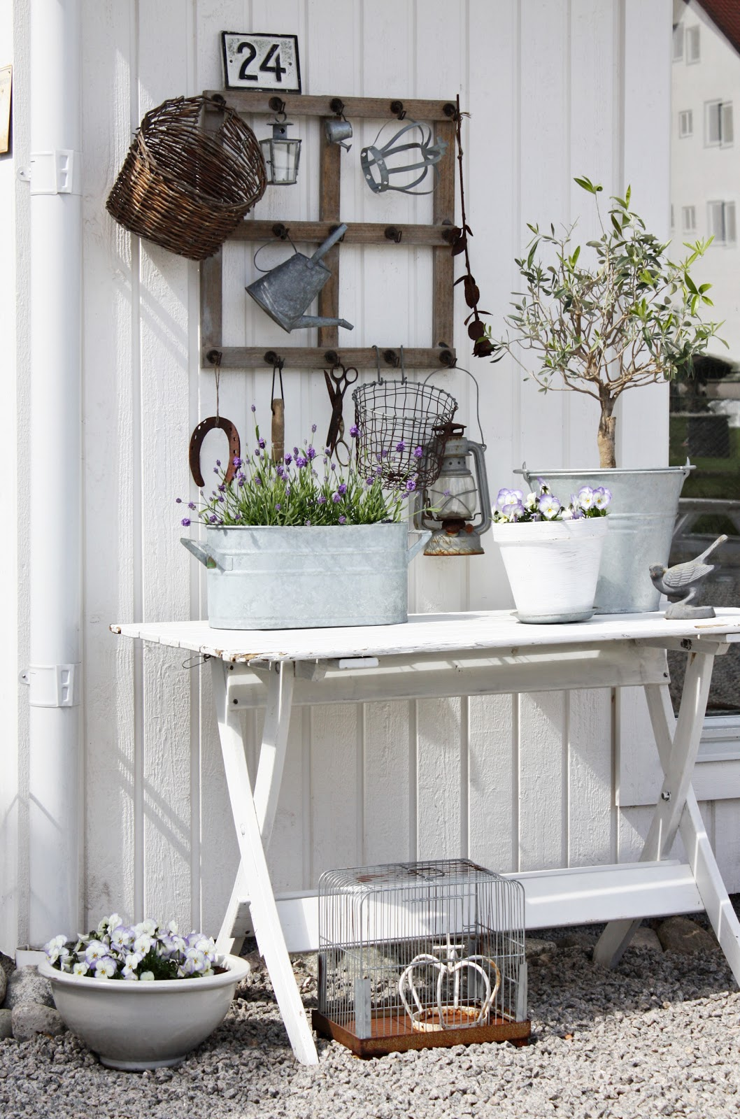 What S Hot On Pinterest 5 Vintage Home Decor Ideas You Ll Love 3