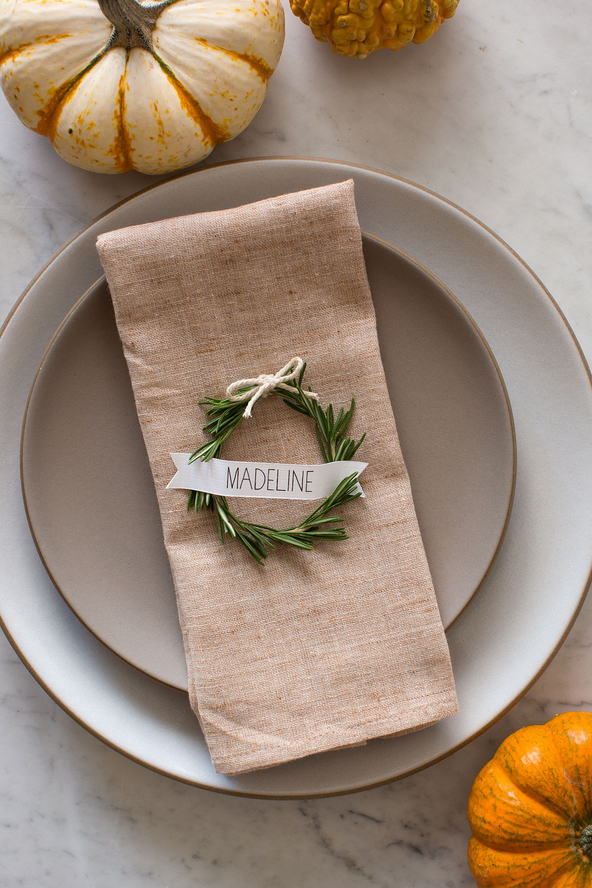 Thanksgiving Decorating Ideas Your Guests Will Love 1