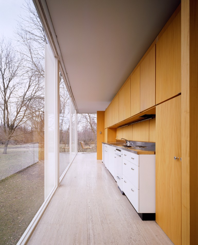 Unique Design: The Renowned Farnsworth House By Mies Van Der Rohe Farnsworth  House Unique Design