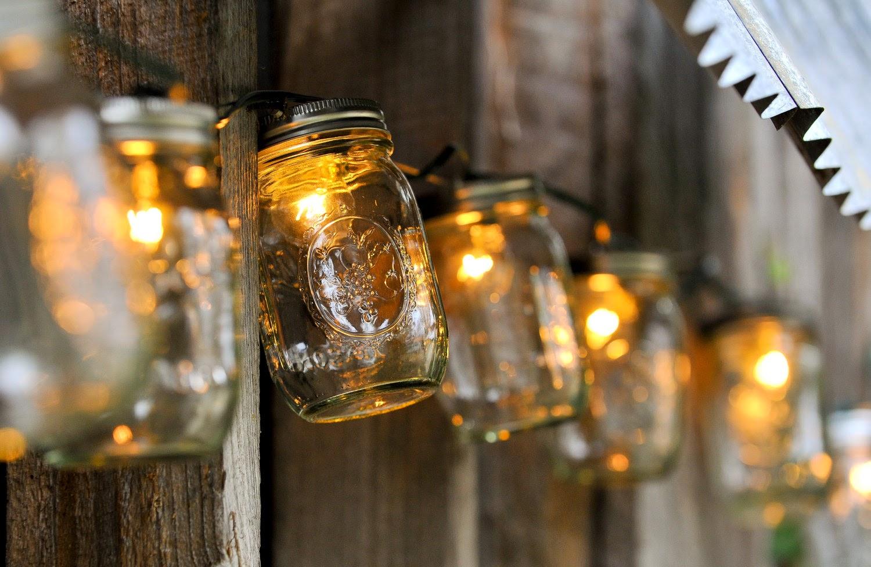 7 LIGHTING IDEAS THAT WILL MAKE YOUR YARD SHINE