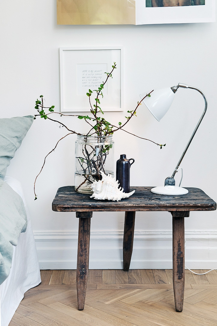 CHOOSE THE BEST TABLE LAMP FOR A SCANDINAVIAN DESIGN LOOK