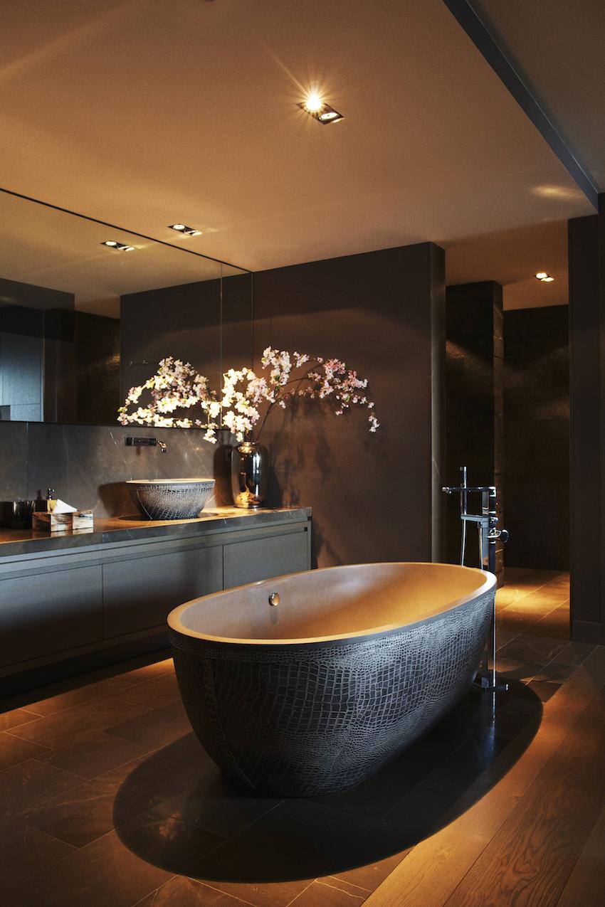 Unique decor ideas let 39 s turn your bathroom into black for Unique bathroom ideas decor