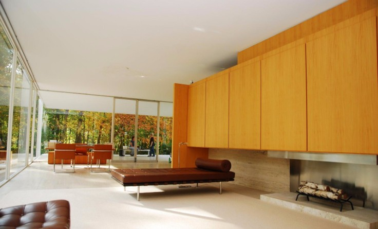 take a look inside the renowned farnsworth house by mies van der rohe. Black Bedroom Furniture Sets. Home Design Ideas