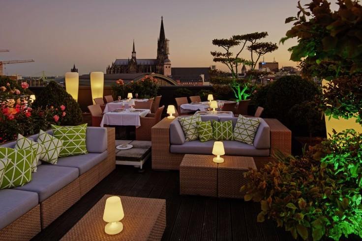 jacuzzi hotels koeln deutschland hotel savoy koeln dachterrasse jacuzzi hotels koeln deutschland. Black Bedroom Furniture Sets. Home Design Ideas