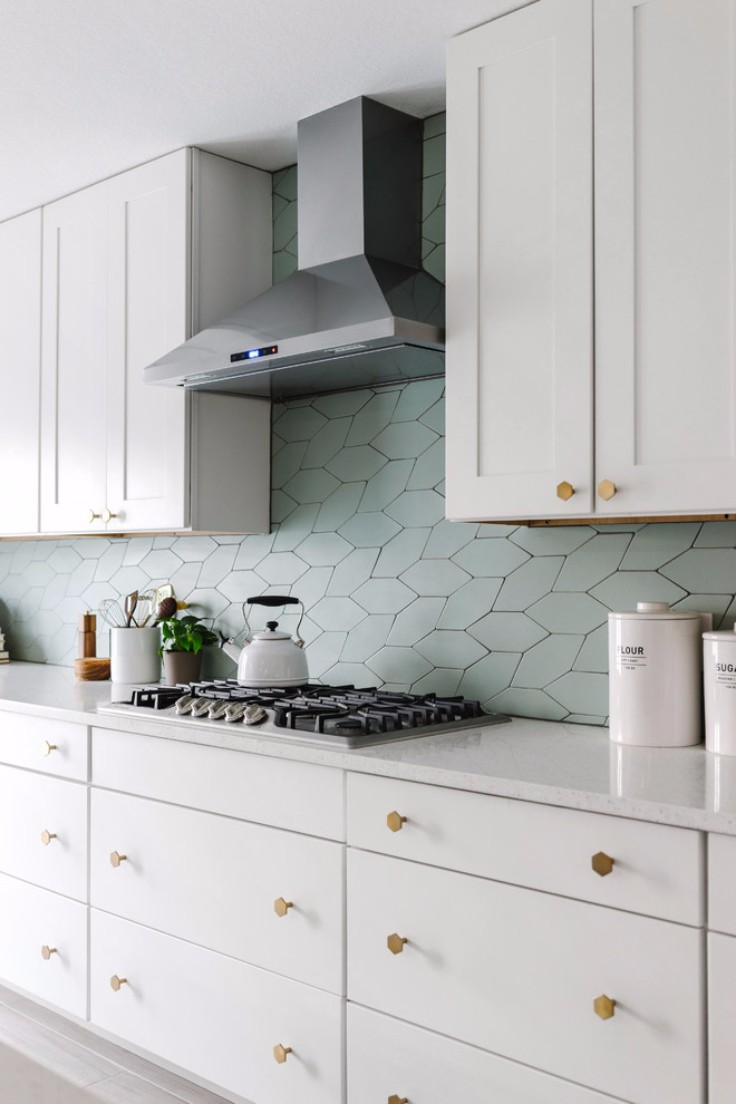 Room of the Week: Scandinavian White and Gray Open Concept Kitchen
