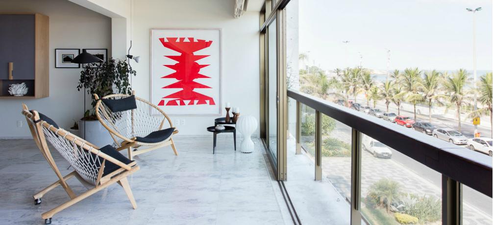 Luxury Home in Copacabana Boasts Amazing Mid-Century Lighting Designs