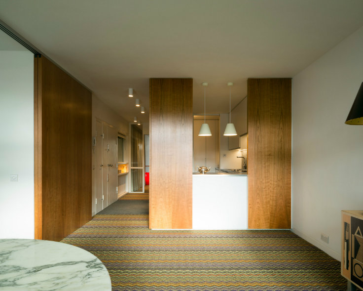 A renewed apartment in London's Barbican Estate by Azman Architects