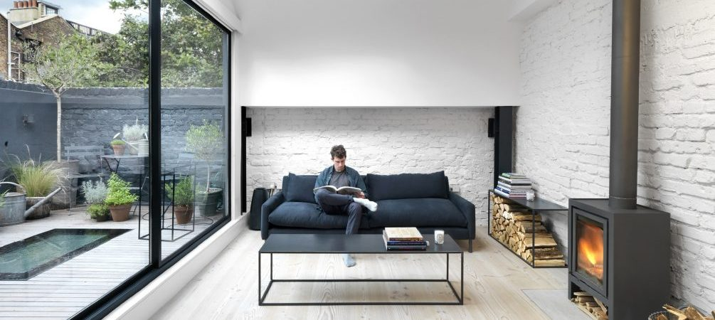 Take a look at this mews house with monochrome interiors!