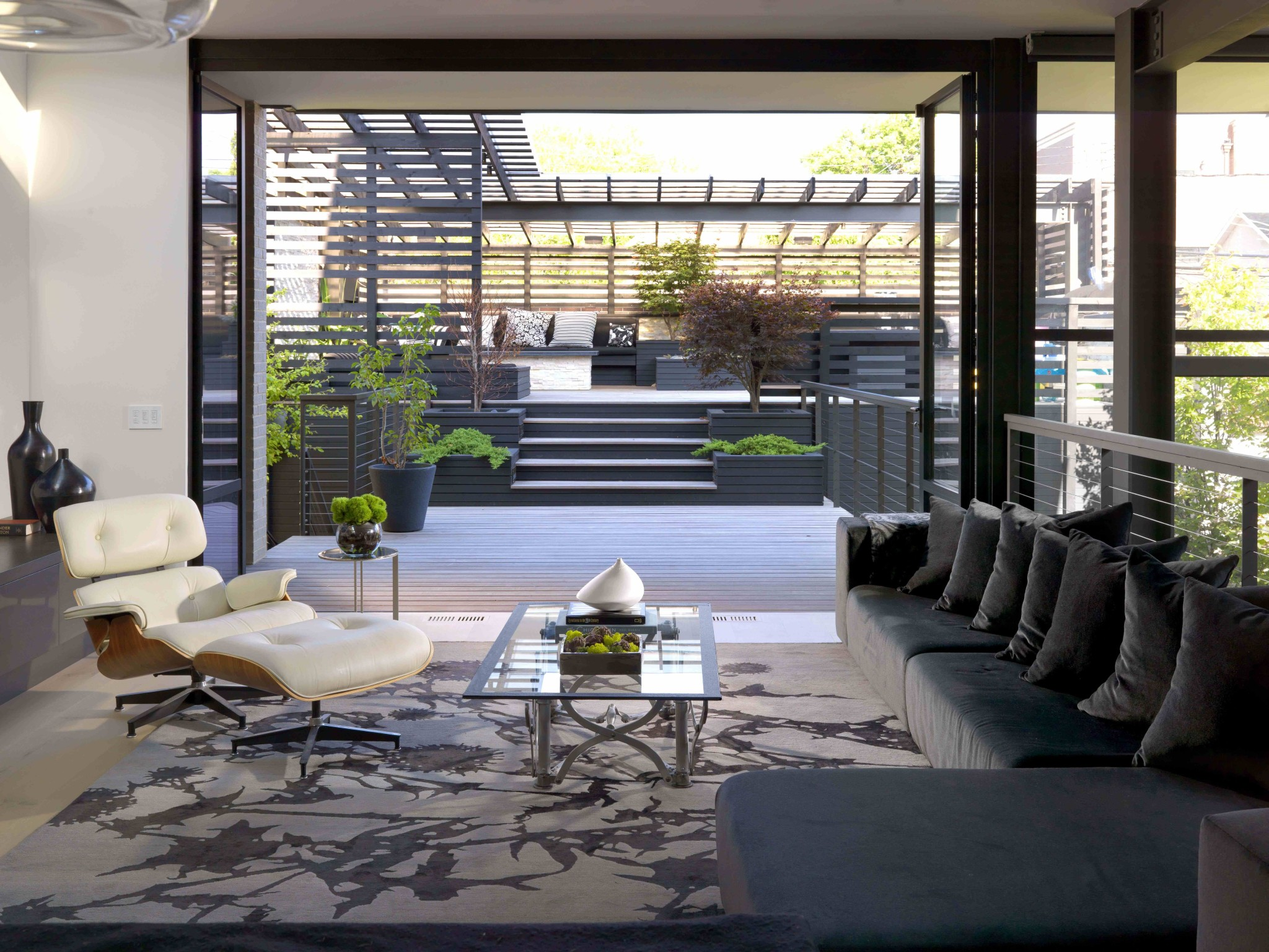 A Contemporary Home Design features Iconic MidCentury Furniture