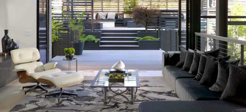 A contemporary home design features iconic mid century for Iconic mid century modern furniture