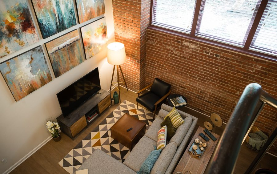Exposed Bricks and Retro Style: an Apartment in Pittsburgh