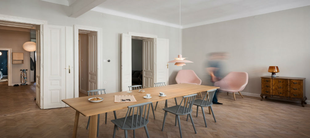 How to join work and leisure in the same place in this Austrian apartment!