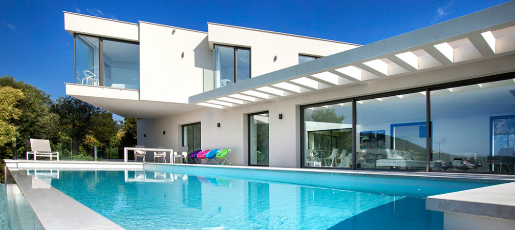 St. Tropez Holidays- We Know the Right Villa for You to Buy!