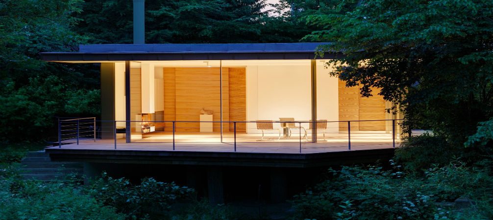 Get to know this house in Düsseldorf that instead of walls has windows!