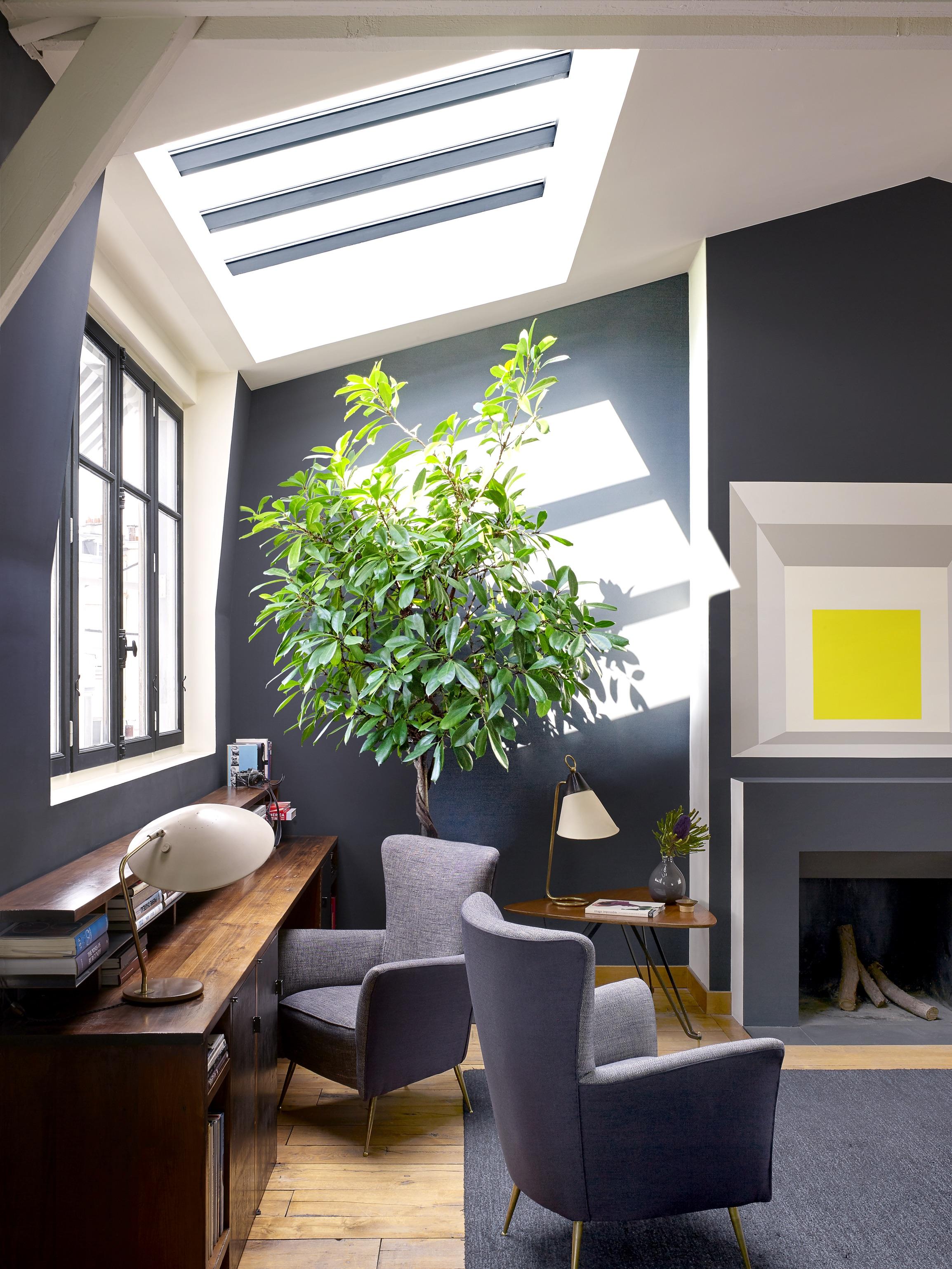 House Tour An Eclectic Mix of Vintage Furniture in a Paris Loft 3