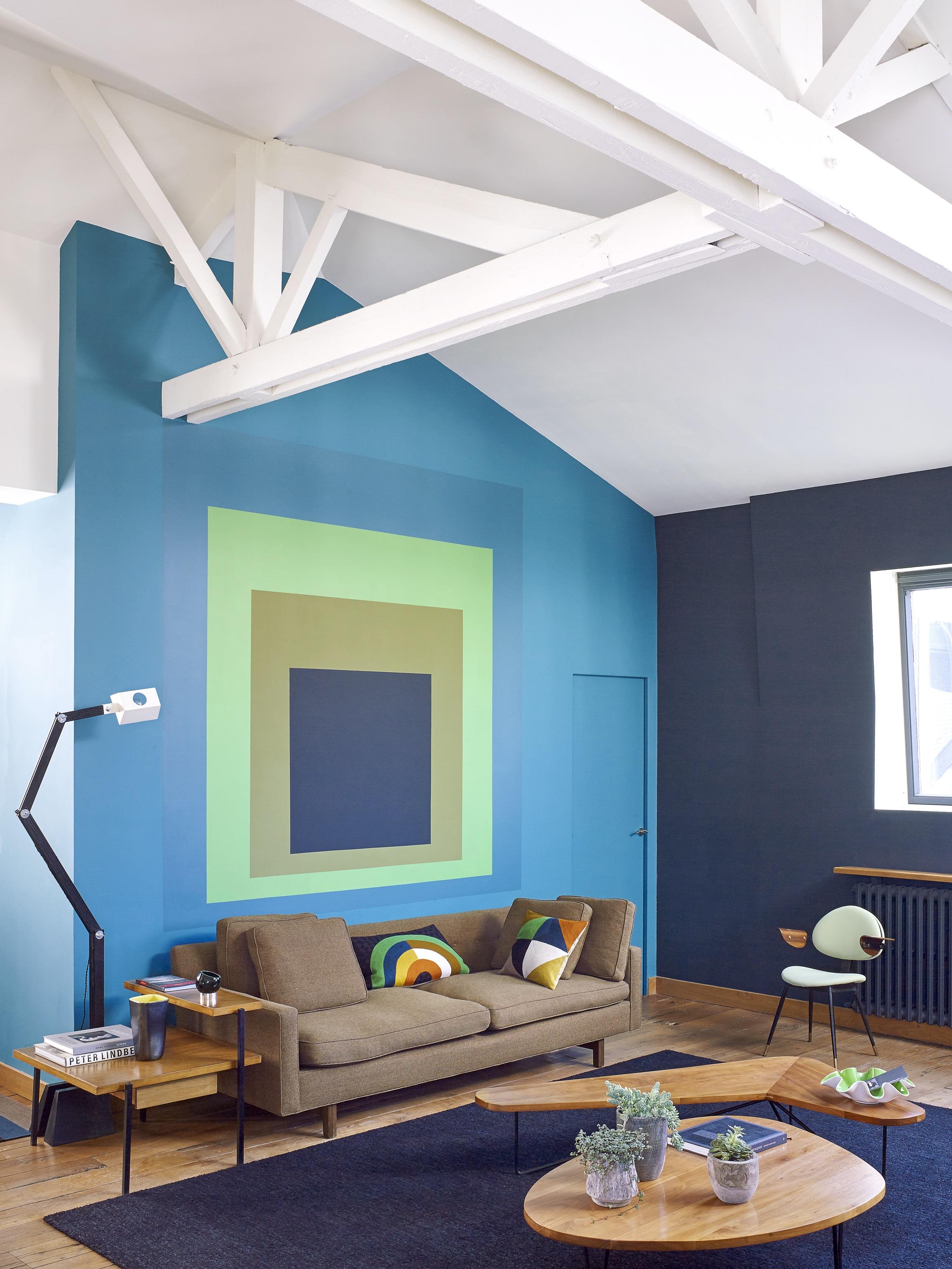 House Tour An Eclectic Mix of Vintage Furniture in a Paris Loft 4