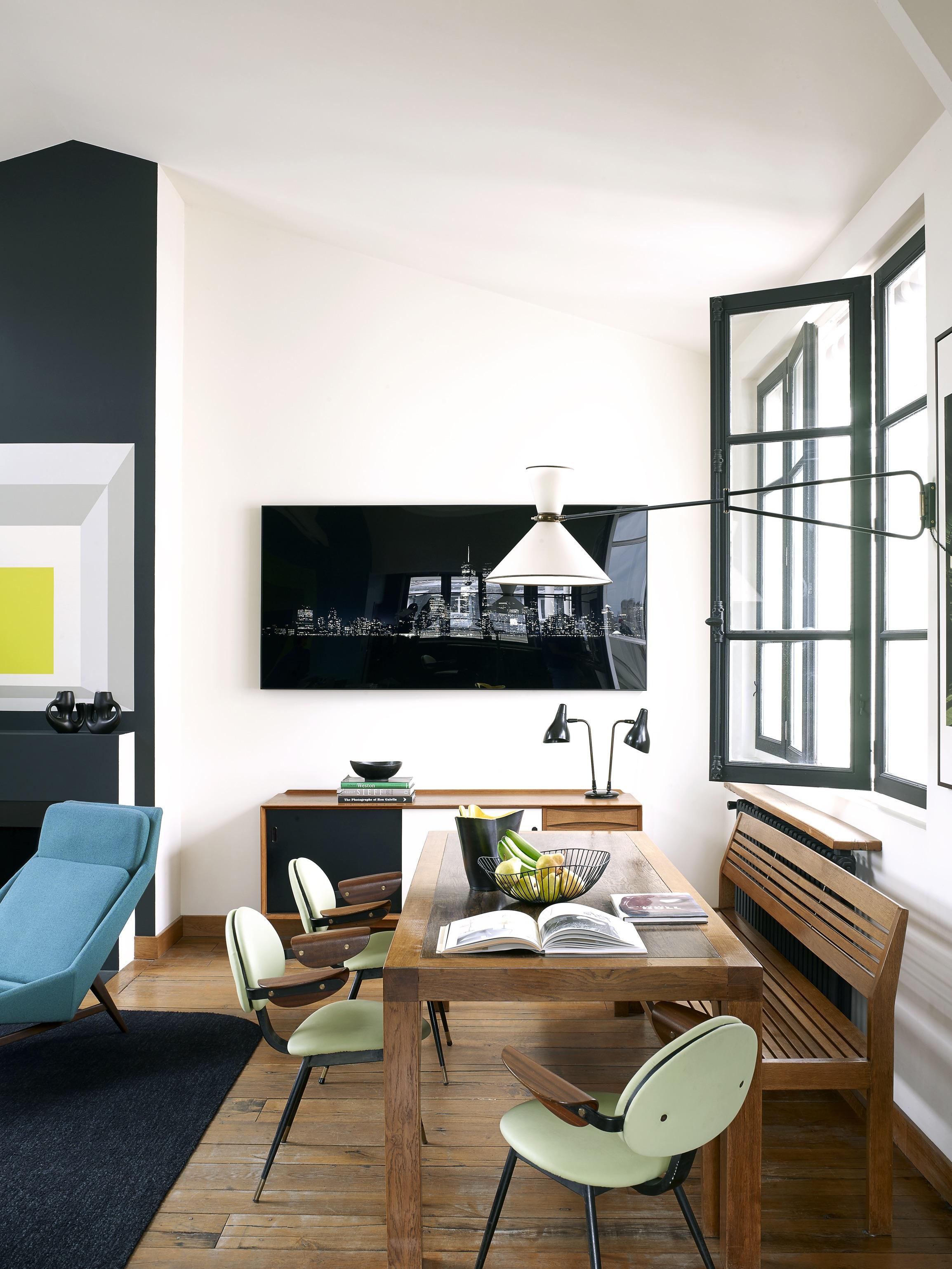 House Tour An Eclectic Mix of Vintage Furniture in a Paris Loft 5