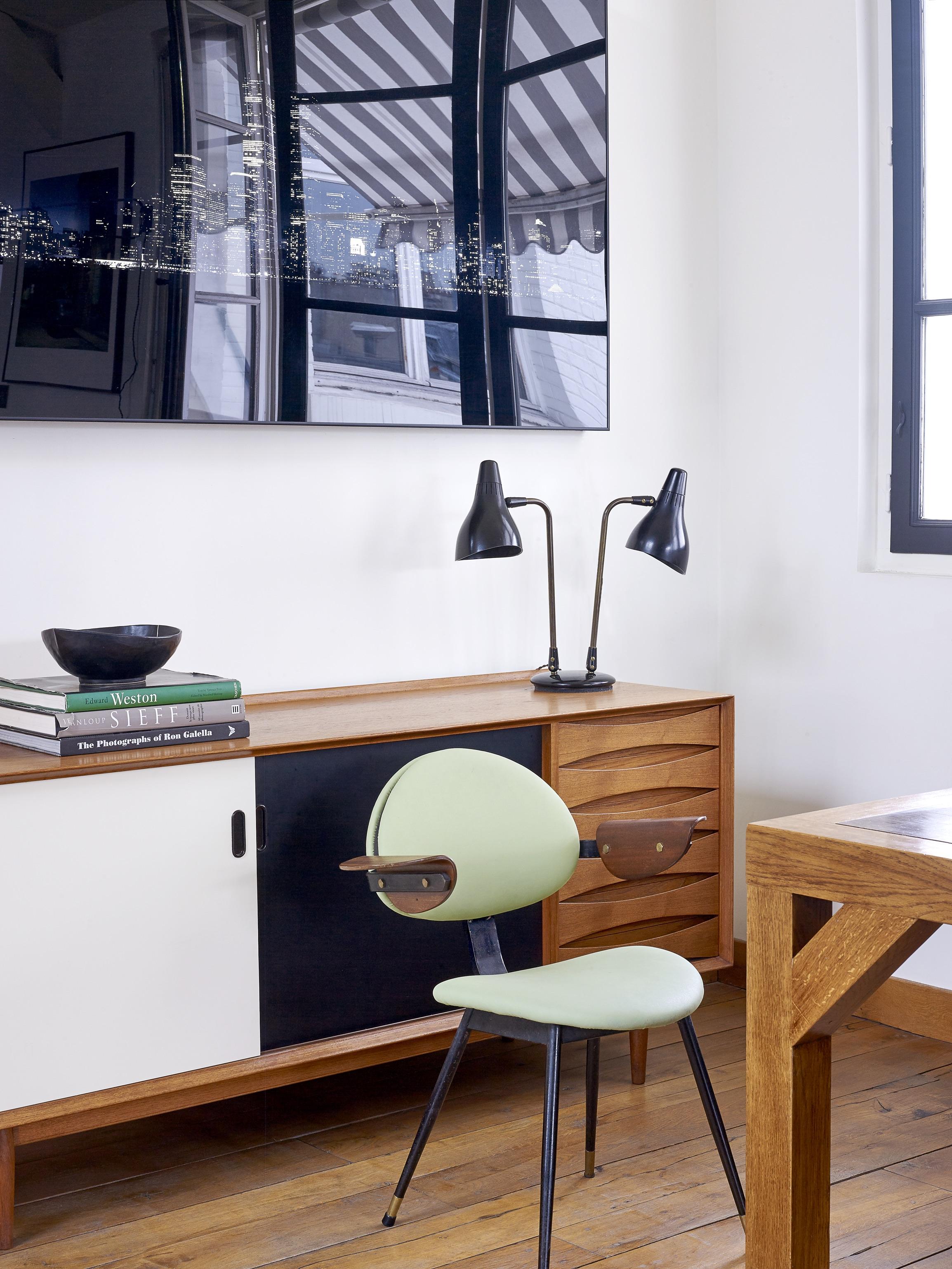 House Tour An Eclectic Mix of Vintage Furniture in a Paris Loft 6