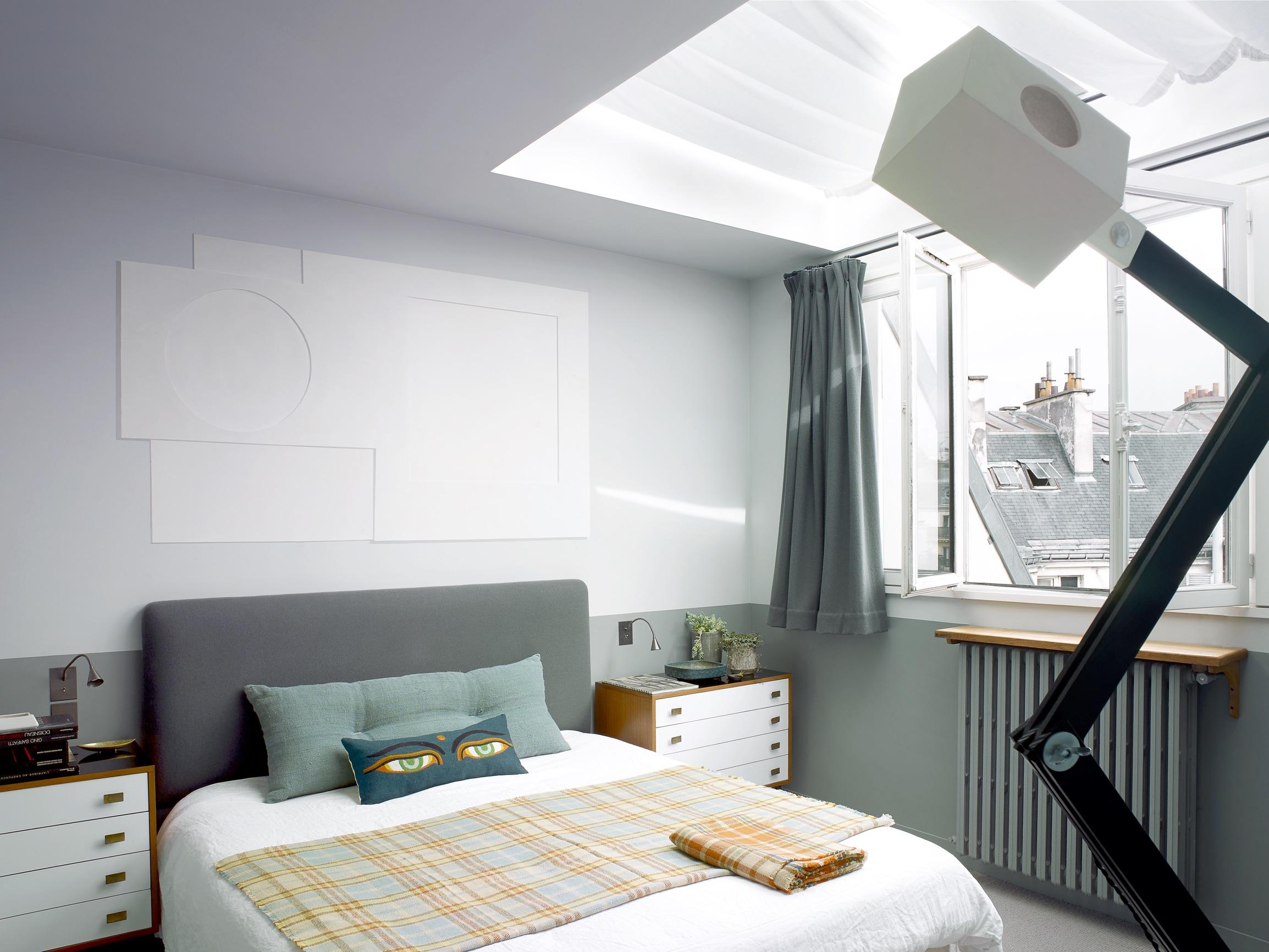 House Tour An Eclectic Mix of Vintage Furniture in a Paris Loft 8