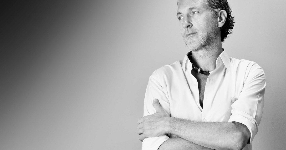 Buzz Is Installed: 100% Design Marcel Wanders, Kelly Hoppen & John Hitchcox