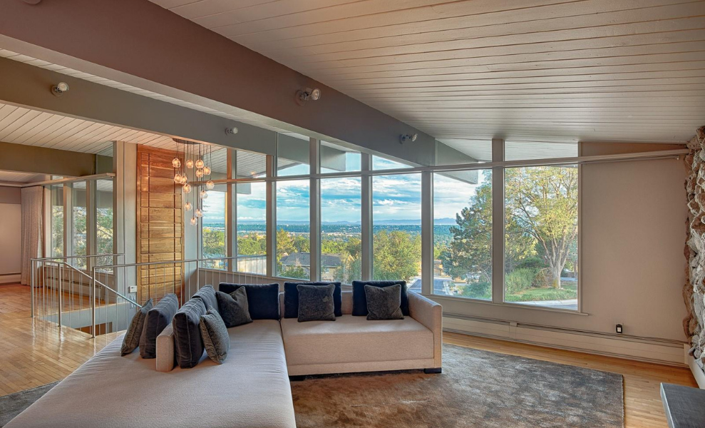 House Tour _ Top 6 Mid-Century Modern Homes On Sale! 3