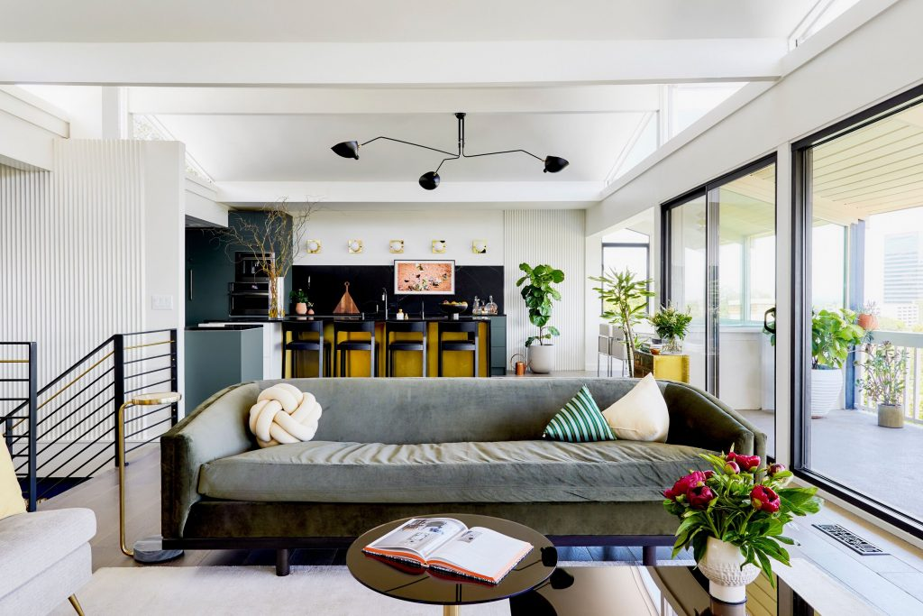 Studio Palomino Transformed This Family Home Into a Mid-Century Modern Fream! Be Our Guest and Come in!