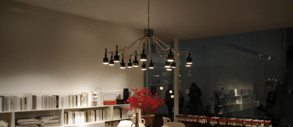 Best vintage black chandeliers for your dining room