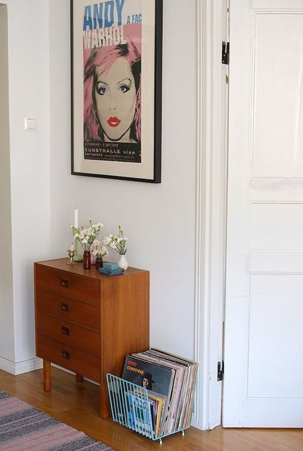 Modern Retro Hallway: See How You Can Rock This Style!